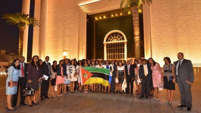 Caravanas de Angola y Mozambique visitan el Templo de Salomón