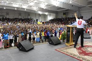 Un evento de Fe reúne a más de 6 mil personas en Jamaica