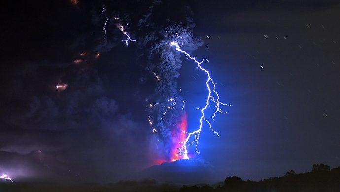 Una explosión volcánica atemoriza a Chile. ¿Acaso es una señal?