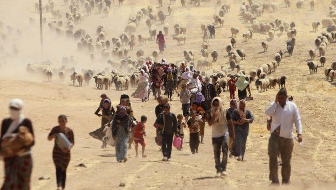 Refugiados cristianos fingen ser musulmanes para no ser asesinados por el Estado Islámico