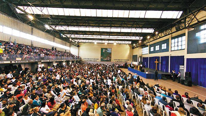 Gran concentración de fe en Vicente López