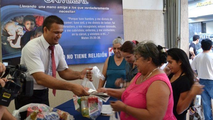 Donación de la Universal ayuda a víctimas de la inundación en Paraguay