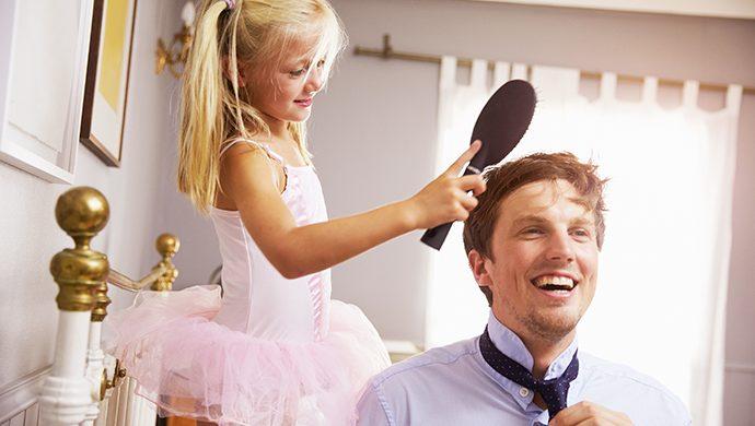 ¿Cuál es la importancia de la figura paterna en la formación de la personalidad de una niña?