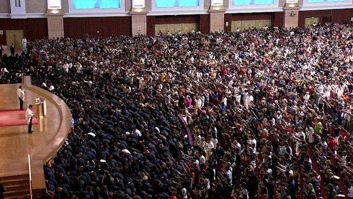 La Universal consagra alrededor de 12 mil nuevos obreros en todo Brasil