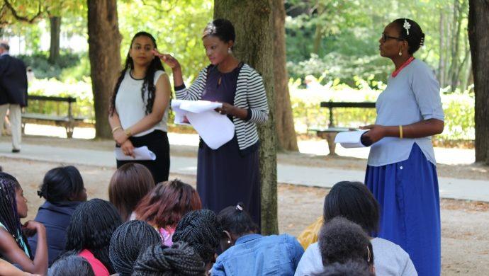 La acción de la Fuerza Joven en Francia, orientan jóvenes sobre la sexualidad