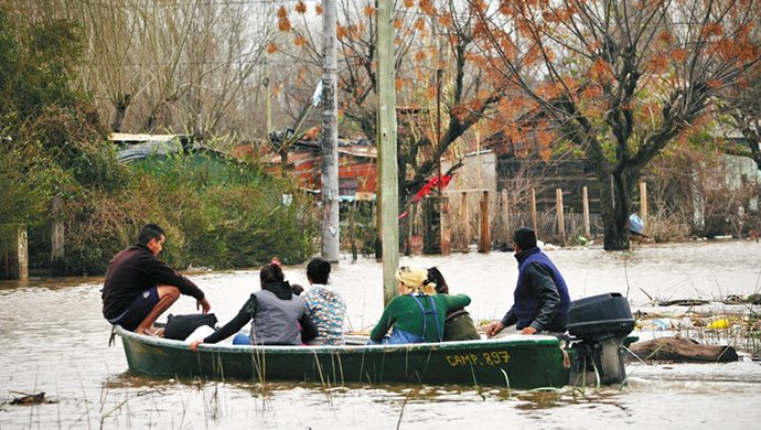 Operativo Inundados:  4,5 toneladas de alimentos y más de 11 mil prendas de ropa entregadas