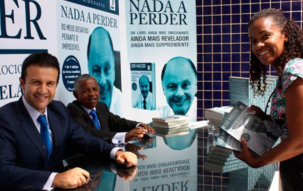 """Lanzamiento del libro """"Nada Que Perder 2"""" en Cabo Verde"""