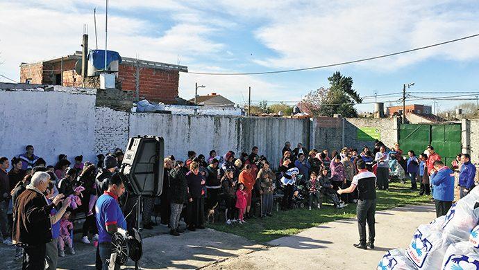 Lomas de Zamora: 1,5 toneladas  de comida y 2000 prendas de ropa