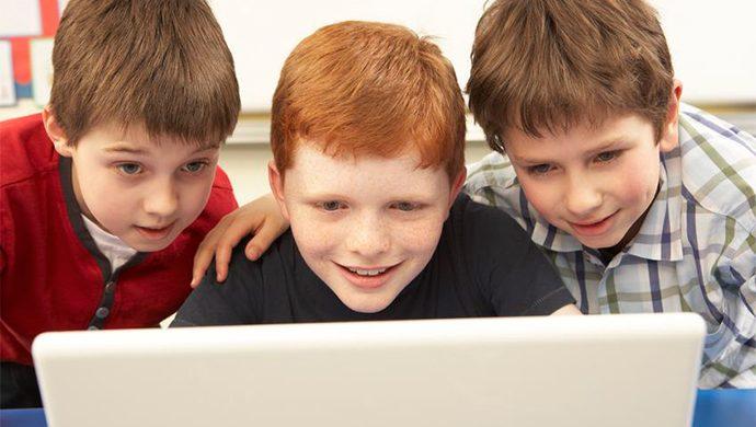 Las personas agresivas en Internet son frustradas e impotentes, dice una psicóloga