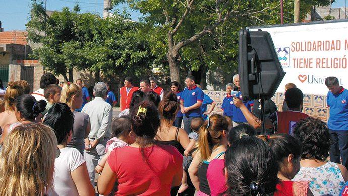 Más de una tonelada de alimentos y 1800 prendas de ropa entregadas en Monte Chingolo