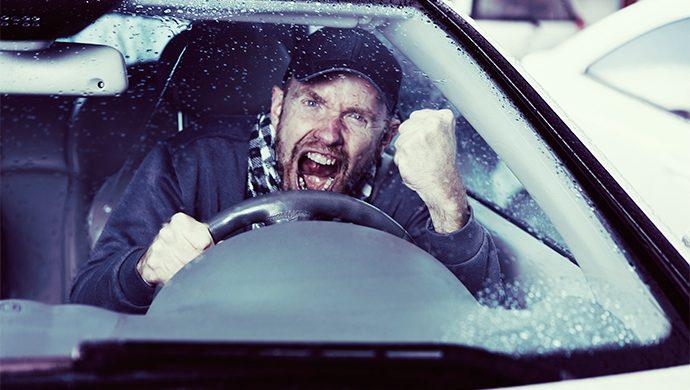 Macho al volante, peligro constante