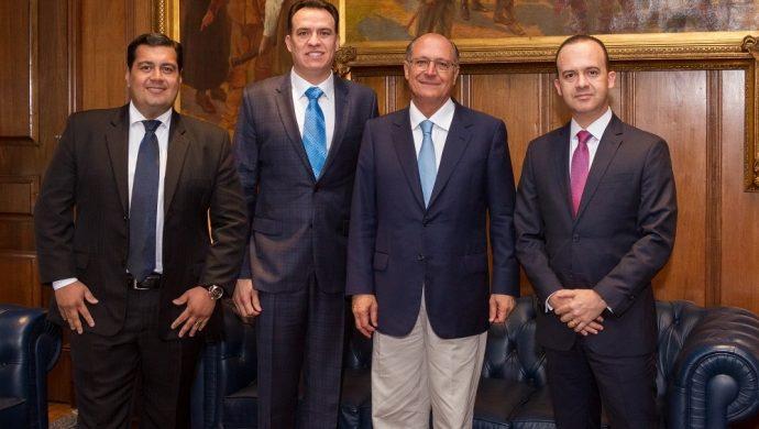 """Gobernador de San Pablo reconoce la efectividad del """"Tratamiento para la Cura de los Vicios"""""""