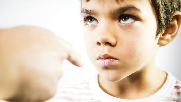 6 frases que lo ayudarán a criar un hijo desequilibrado