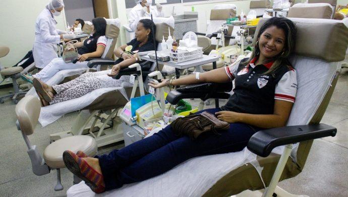 Voluntarios de la FJU de Ceará, en Brasil, donan sangre en el hemocentro del estado