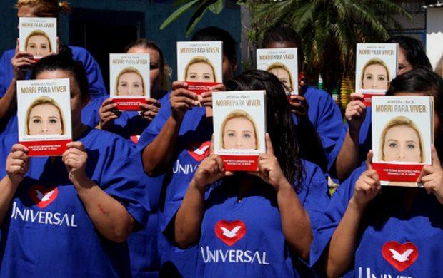 Andressa Urach visita una cárcel de mujeres en San Pablo