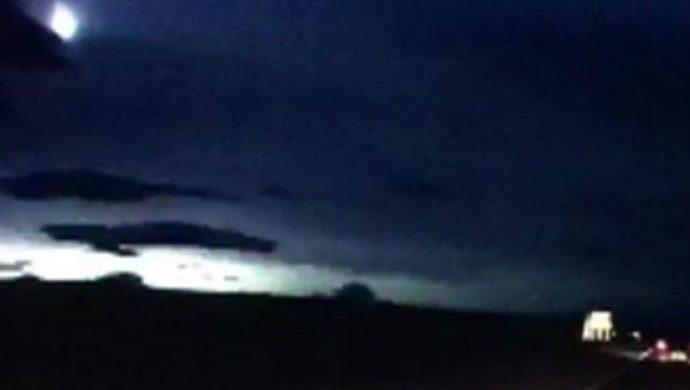 """""""Bola de fuego"""" ilumina el cielo y asusta a los habitantes en Escocia"""
