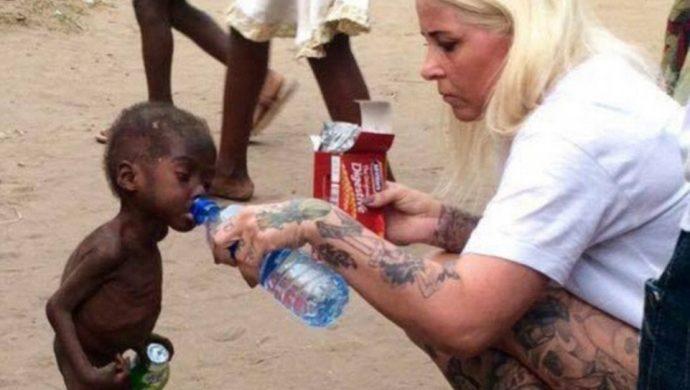 Niño de 2 años es considerado brujo y abandonado por la familia en África