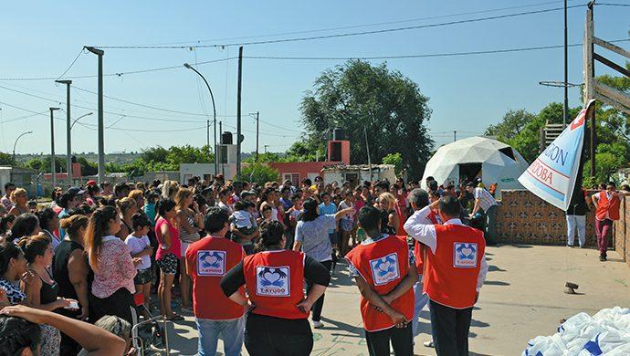 Solidaridad en acción: 2,6 toneladas de alimentos y 6000 prendas de ropa para Córdoba