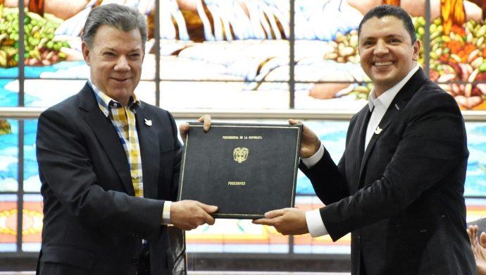 La Universal en Colombia recibe reconocimiento nacional