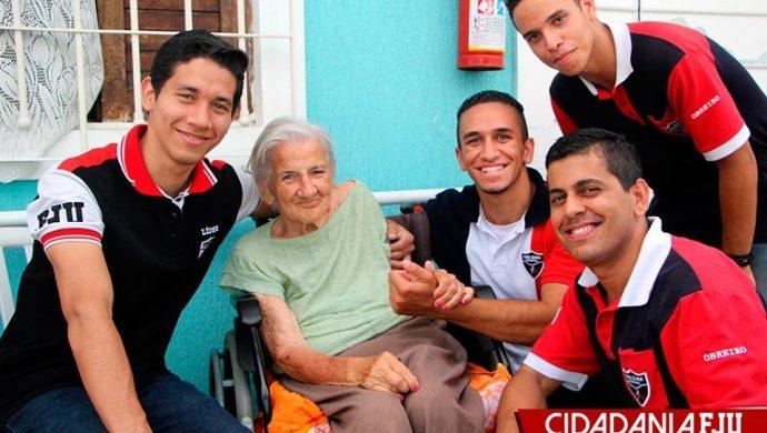 Voluntarios de la FJU visitaron un asilo en San Pablo