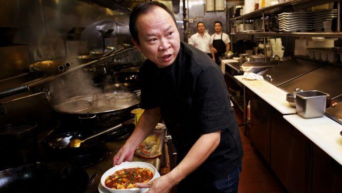Chef chino despide a su propia hija por insultar a los clientes