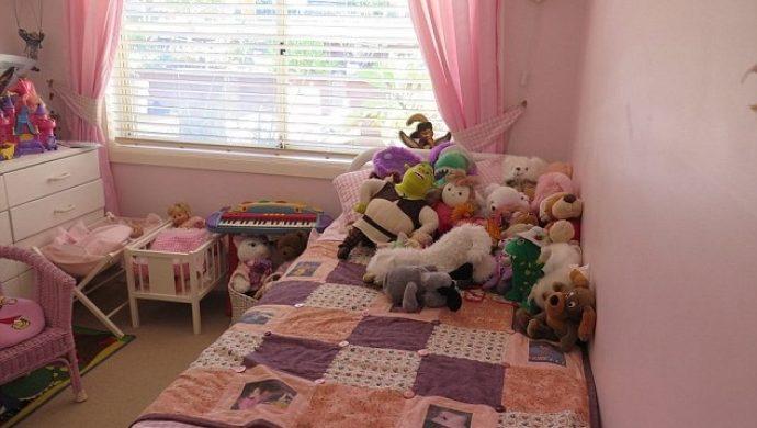 Pareja mantiene de la misma forma la habitación de su hija que murió hace 9 años