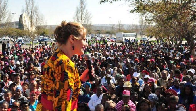 La Universal lleva a 25 mil mujeres a las calles en Sudáfrica para una marcha especial