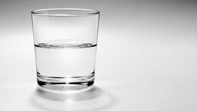 El vaso medio lleno o medio vacío