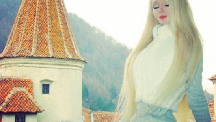 Barbie humana buscó la felicidad incluso en la brujería