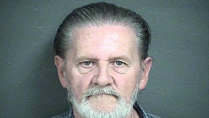 Él prefiere vivir en la cárcel que con su esposa