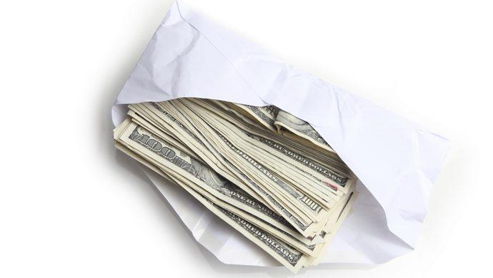 Incluso atravesando dificultades económicas, él le devolvió al dueño el dinero que encontró