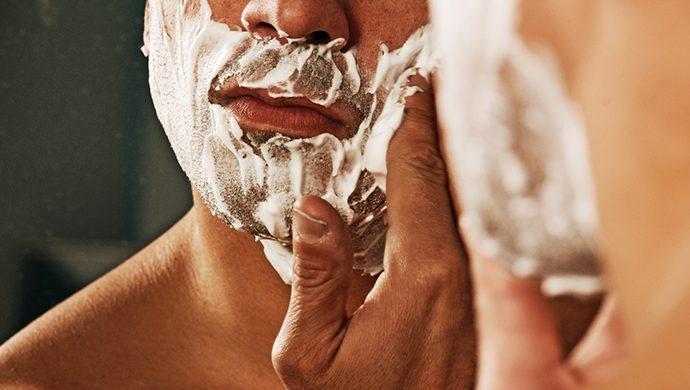 En paz con la máquina de afeitar
