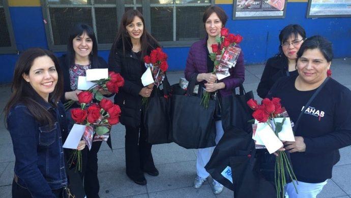Las voluntarias del Rahab realizan acción social en las calles de Buenos Aires
