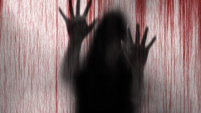 Una joven mujer asesinada sádicamente
