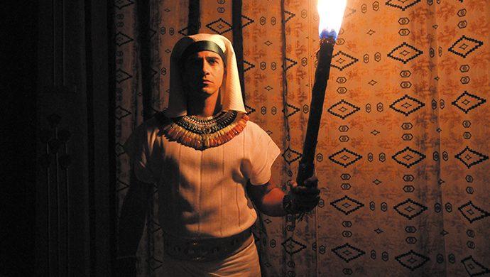 La novena plaga deja a Egipto a oscuras