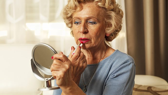Una mujer casada hace 7 años nunca dejó que su marido la viera sin maquillaje