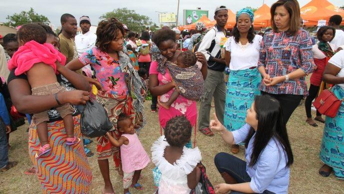 Feria de caridad reúne a más de 6 mil personas en Maputo