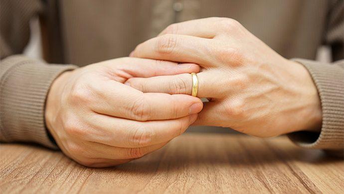 Un ciudadano chino pide el divorcio debido al mal olor de los pies de la esposa