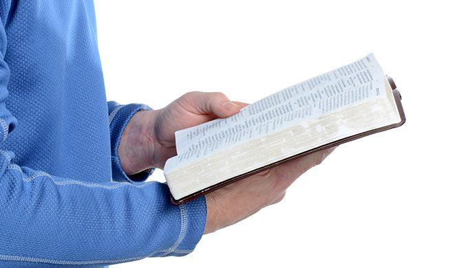 Lea la Biblia en 1 año – 25° día