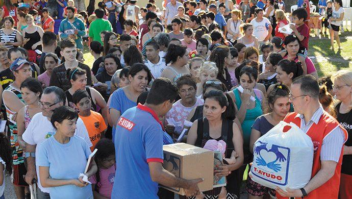 T-Ayudo en el barrio Mitre: 3 toneladas de alimentos y 6700 prendas de ropa