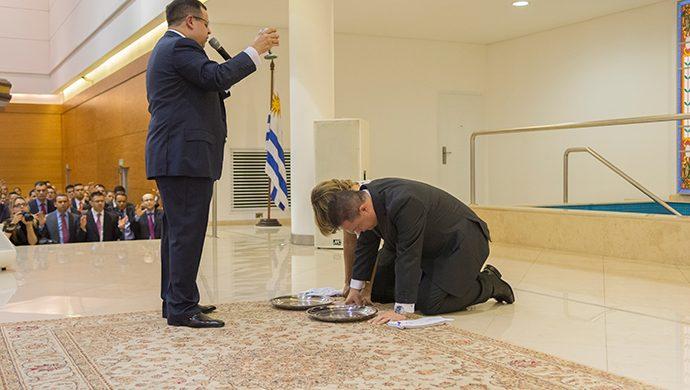 Consagración de un nuevo obispo en Uruguay