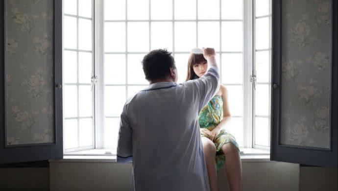 Un japonés se enamora de una muñeca de silicona