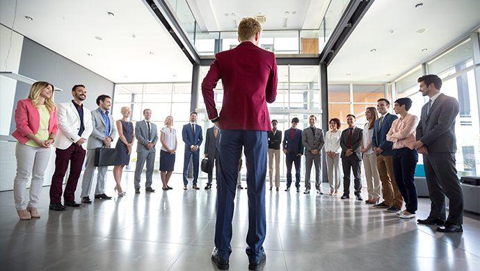 ¿Usted es jefe o líder?