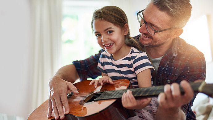 Cómo pueden hacer los padres a su hijo bueno en alguna actividad