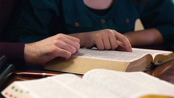 Lea la Biblia en 1 año – 112° día