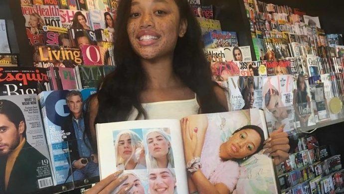 Una joven, blanco de bromas en internet, firma un contrato como modelo
