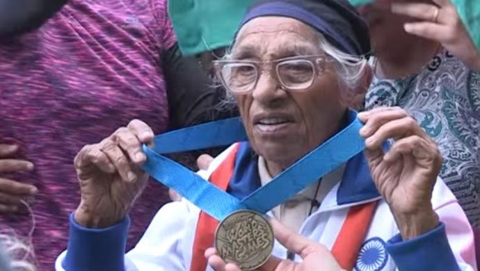Mujer de 101 años gana una medalla de oro en atletismo
