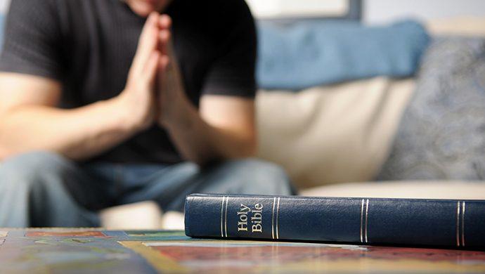 Lea la Biblia en 1 año – 158° día