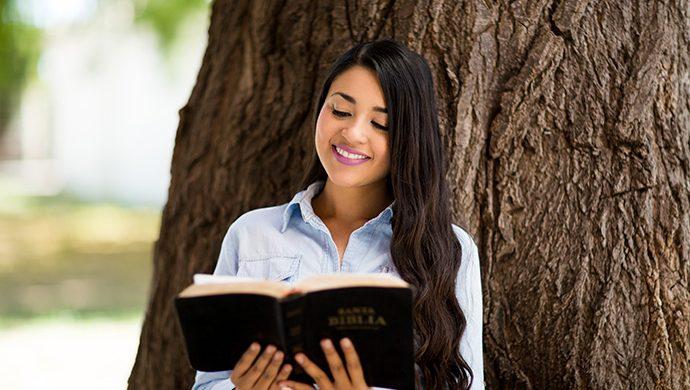 La importancia de meditar en la Biblia