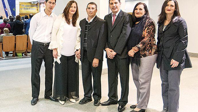 Una familia unida gracias al Poder de Dios